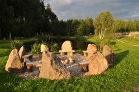 Meeting circle at the pond